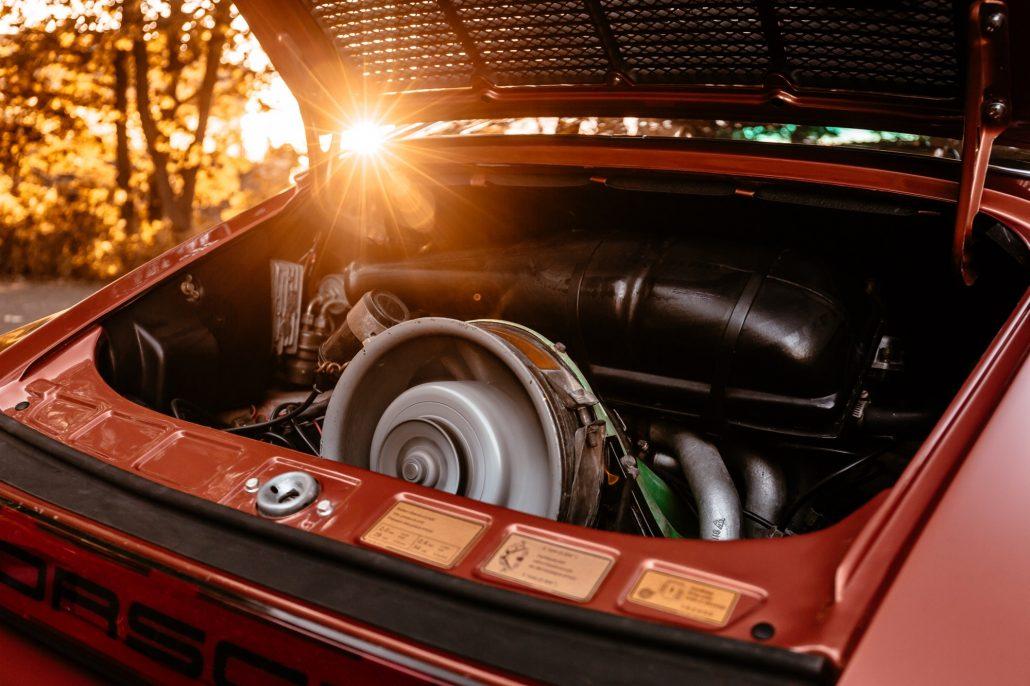 Der 2.7 Liter 6-Zylinder Boxermotor des Porsche 1974 911S