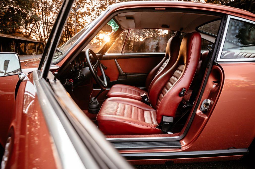 Interieur des Der 2.7 Liter 6-Zylinder Boxermotor des Porsche 1974 911S