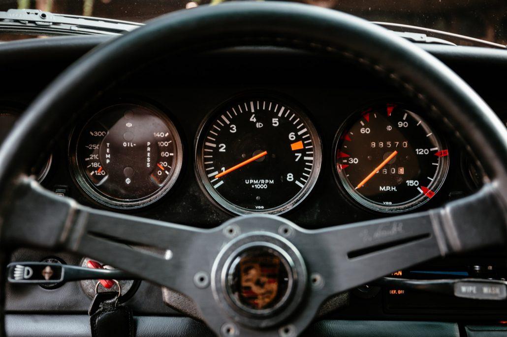Lenkrad des Porsche 1974 911S in Leder