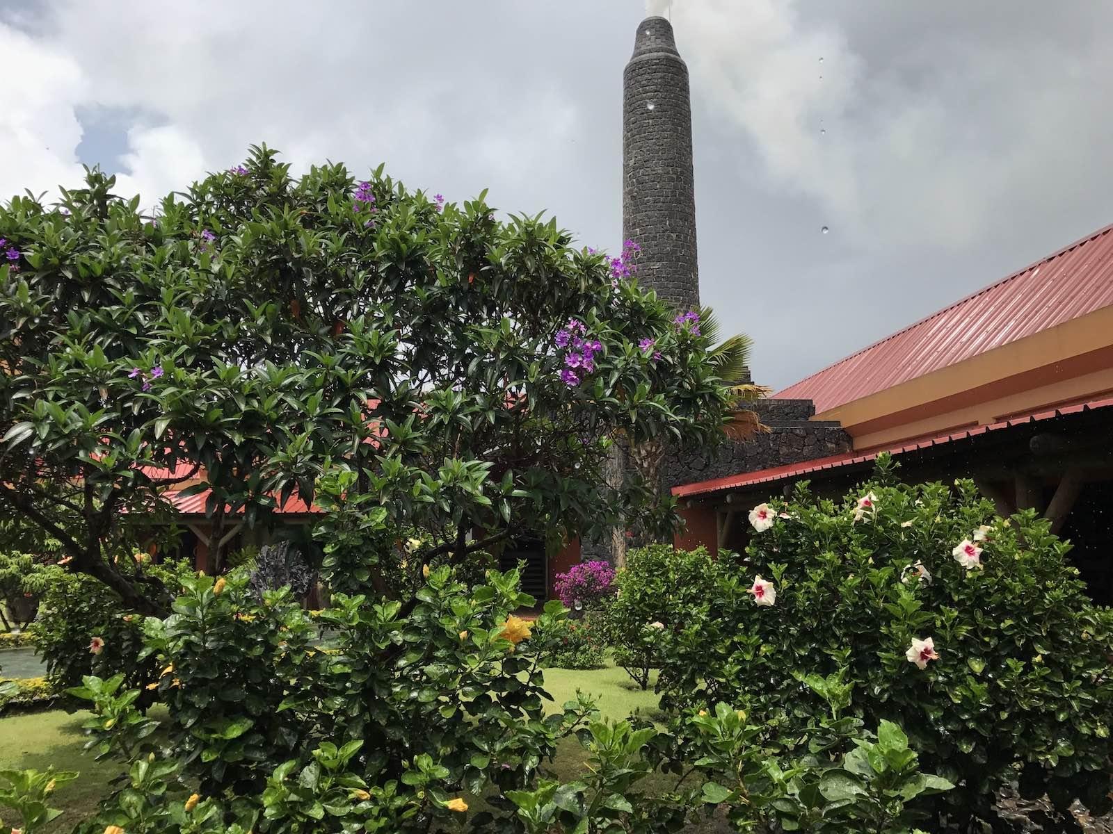 Gartenanlage der Rhumerie de Chamarel