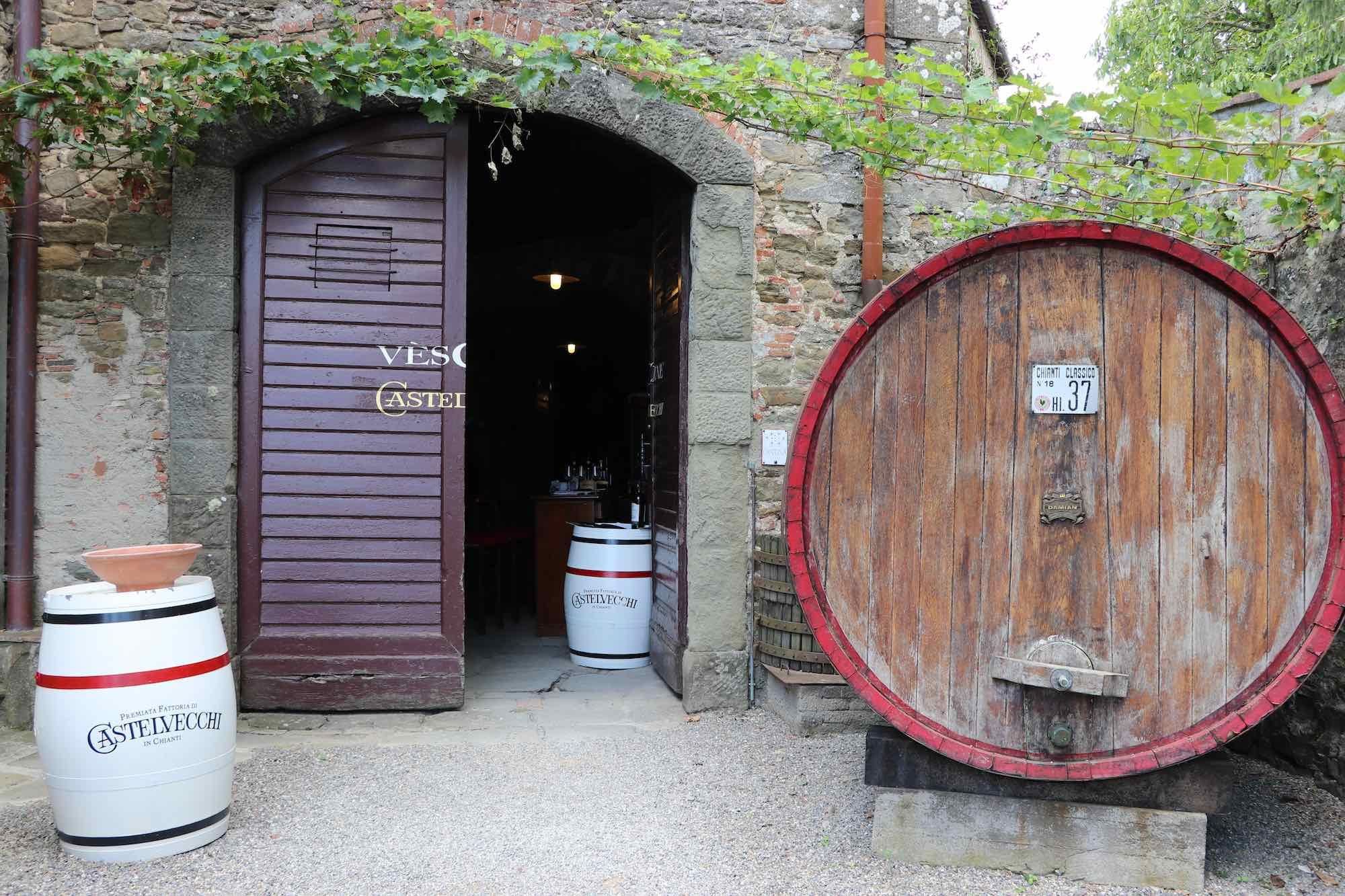 Eingang zur Kellerei