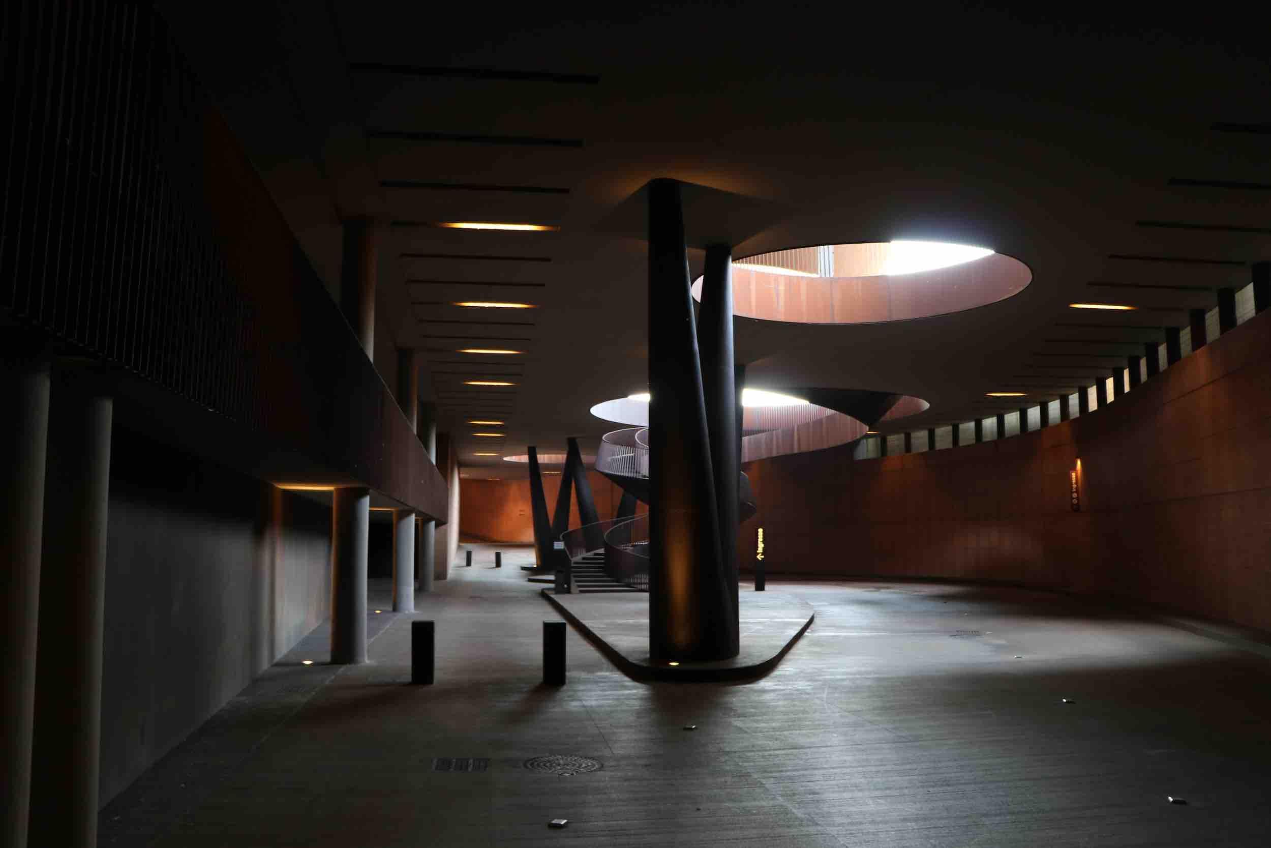 Eingang des Weingut Antinori im Untergeschoss