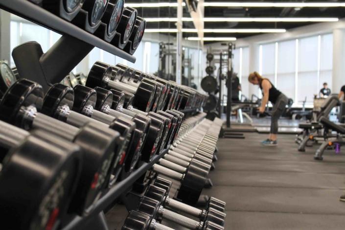 Ganzkörper-Trainingsplan für Muskelaufbau als Anfänger